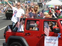 Huntington Beach Parade - Don Hansen
