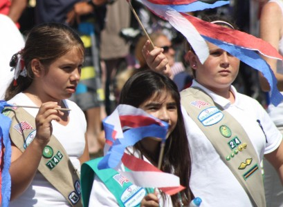 Huntington Beach Parade - Huntington Beach Girl Scouts