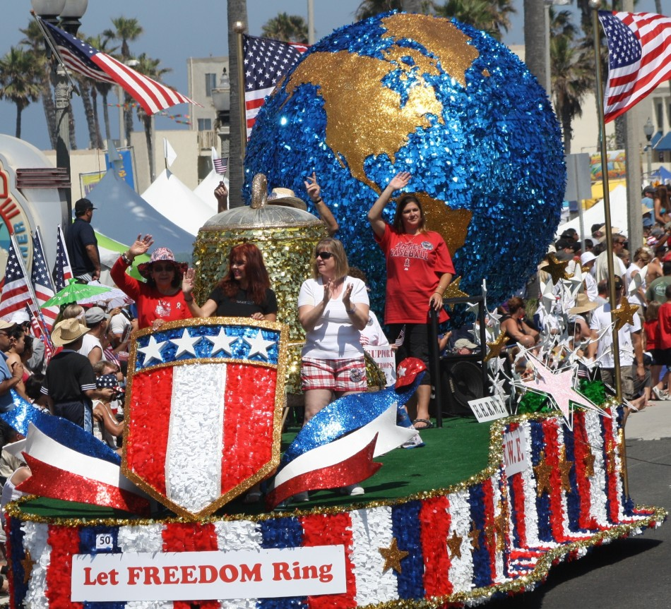 Huntington Beach Parade - Dianna Gadberry Huntington Harbor Republican Women Federated