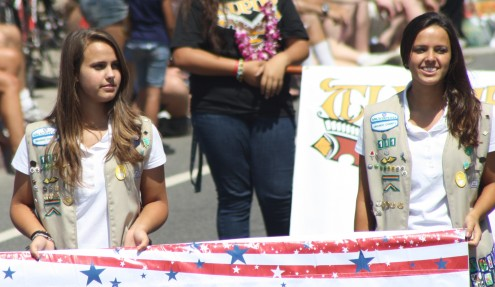 Huntington Beach Parade - Girl Scouts Float Sweepsstakes