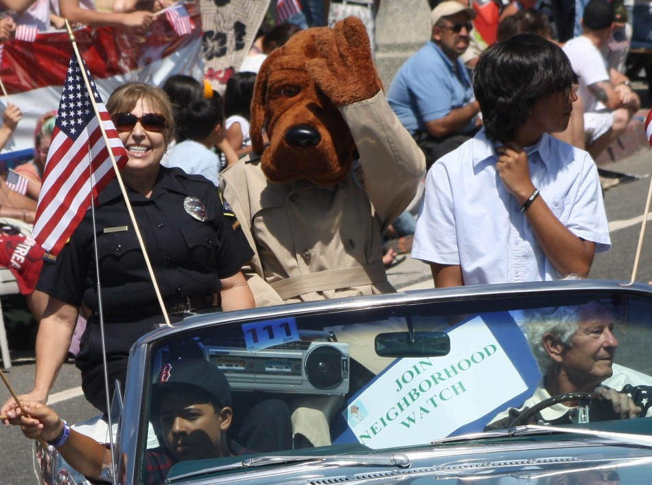 Huntington Beach Parade - Huntington Beach Police McGruff Crime Dog