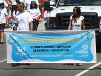 Huntington Beach Parade - Surfrider Foundation Farmers and Merchants Bank