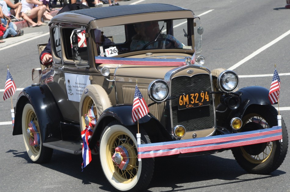 Huntington Beach Parade - Sons of the American Revolution