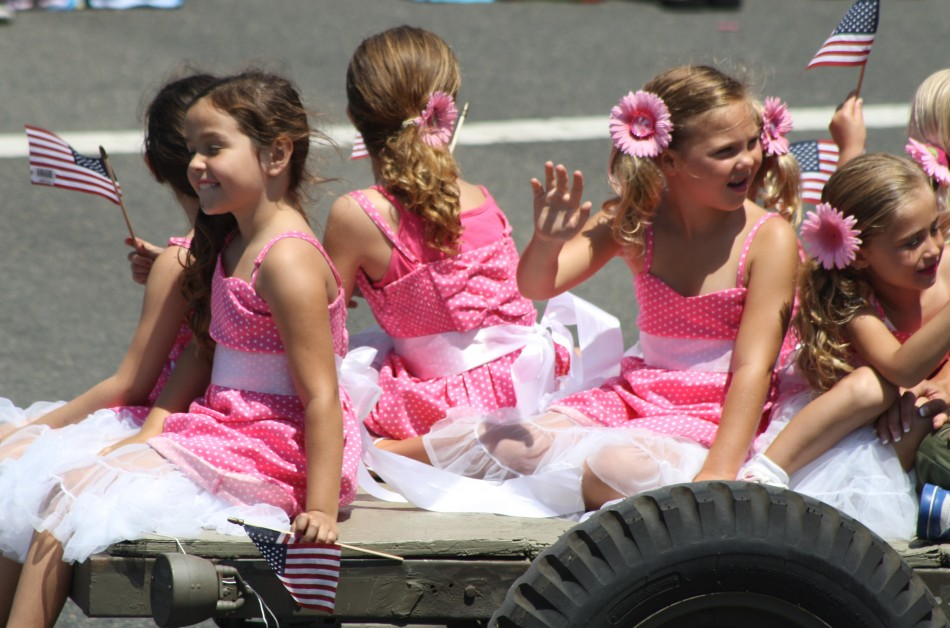 Huntington Beach Parade - Noble Cause Foundation Vintage World War Two Clothing